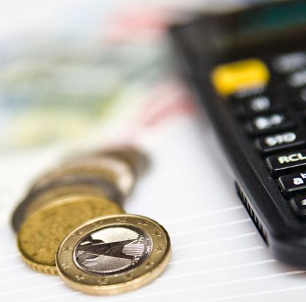 ESCAMINAL – Unterstützung bei Finanz- und Versicherungsfragen und der Beantragung von Sozialleistungen beim Standortwechsel aus dem spanisch-sprachigen Ausland.