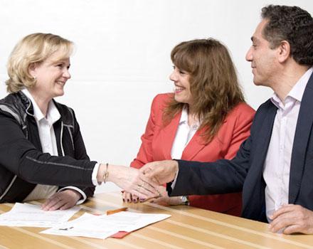 ESCAMINAL – Hilfestellung bei der Planung eines Partner-Karriere-Programms als professioneller Relocation Service beim Wohnsitzwechsel aus dem spanisch-sprachigen Ausland.